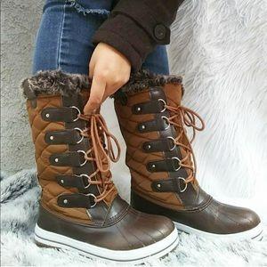 Shoes - NIB Aaron Brown Duck Rain Snow Boots 7